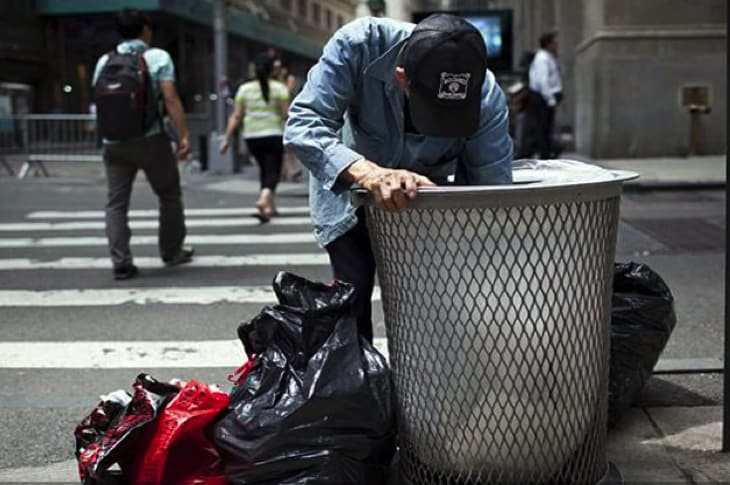 New LA Law: Homeless People Can Only Own A Trashcan's Worth Of Belongings