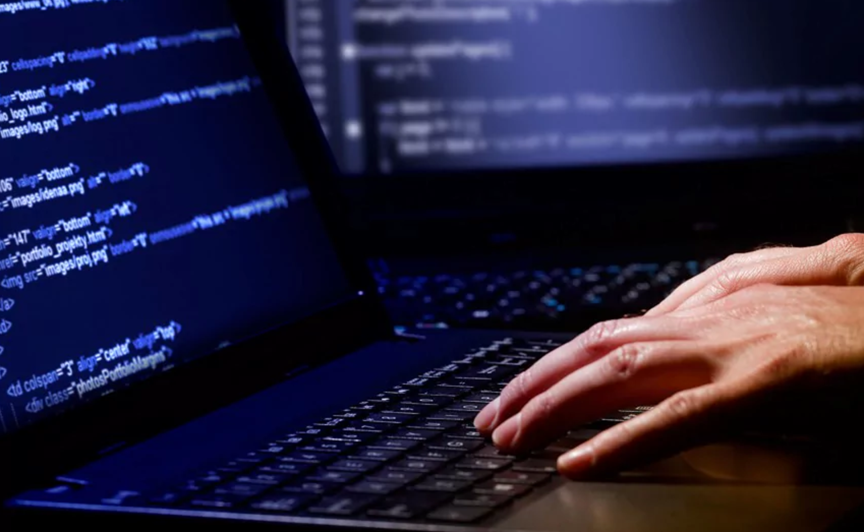 Programmer Hilariously Trolls Fake IRS Agents Who Tried To Scam Him