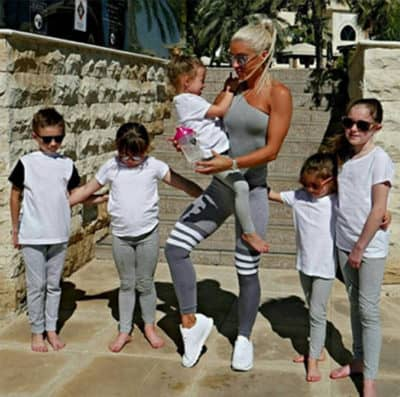 This Unbelievably Fit Mom Gave Birth To 5 Children… But ...