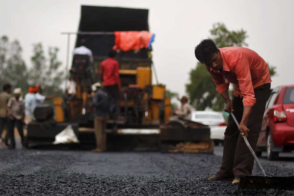 India Has Started Upcycling Plastic Waste To Make Over 100,000Km Of Roads And They Withstand Typhoons And Monsoons