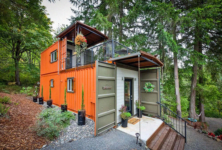 Couple Builds A Tiny House Using Shipping Containers For Debt-Free Living, And Honestly, It's Incredible
