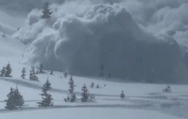 Video Captures A Horrific Avalanche Descending Upon Snowmobilers