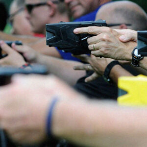 Cop Shows Why It's Difficult To Confuse A Taser With A Gun